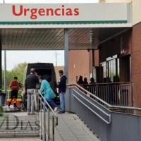 Extremadura vuelve a registrar más de 100 nuevos positivos y hay 14 personas en UCI por covid
