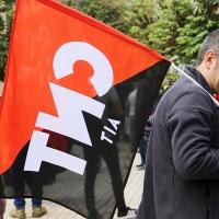 CNT apoya la concentración del personal laboral ante la asamblea