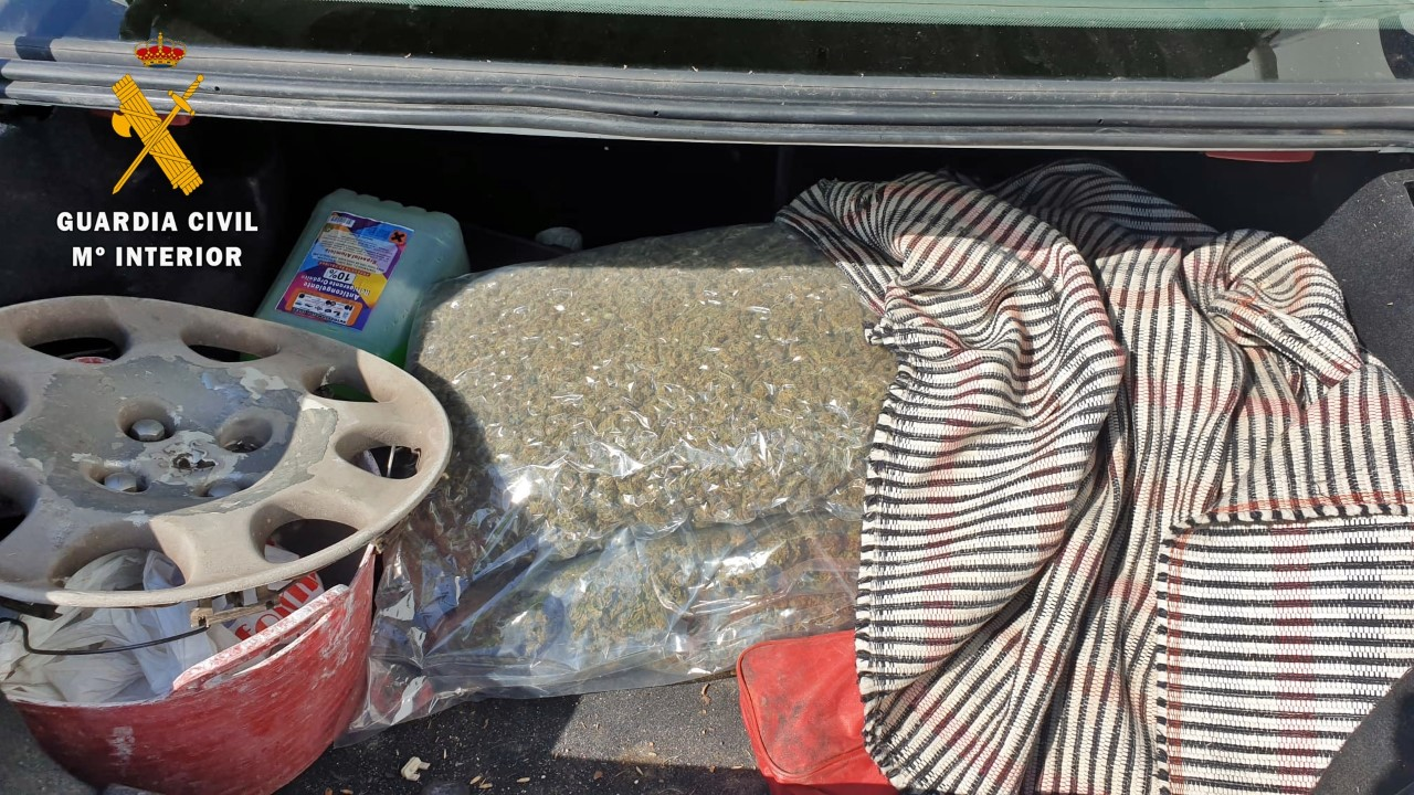 Descubren varios kilos de marihuana en un control en Calzadilla (Badajoz)