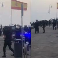 Heridos varios agentes en la frontera de Melilla al intentar frenar la entrada de inmigrantes